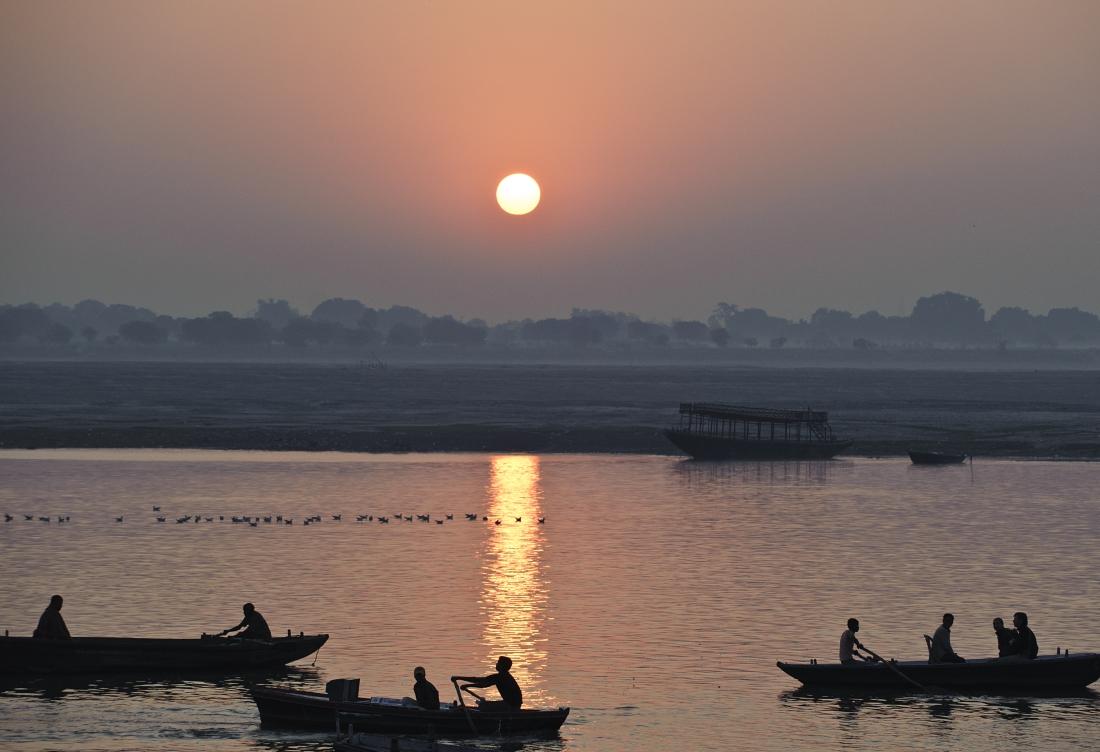 India_Varanasi_ep1_04