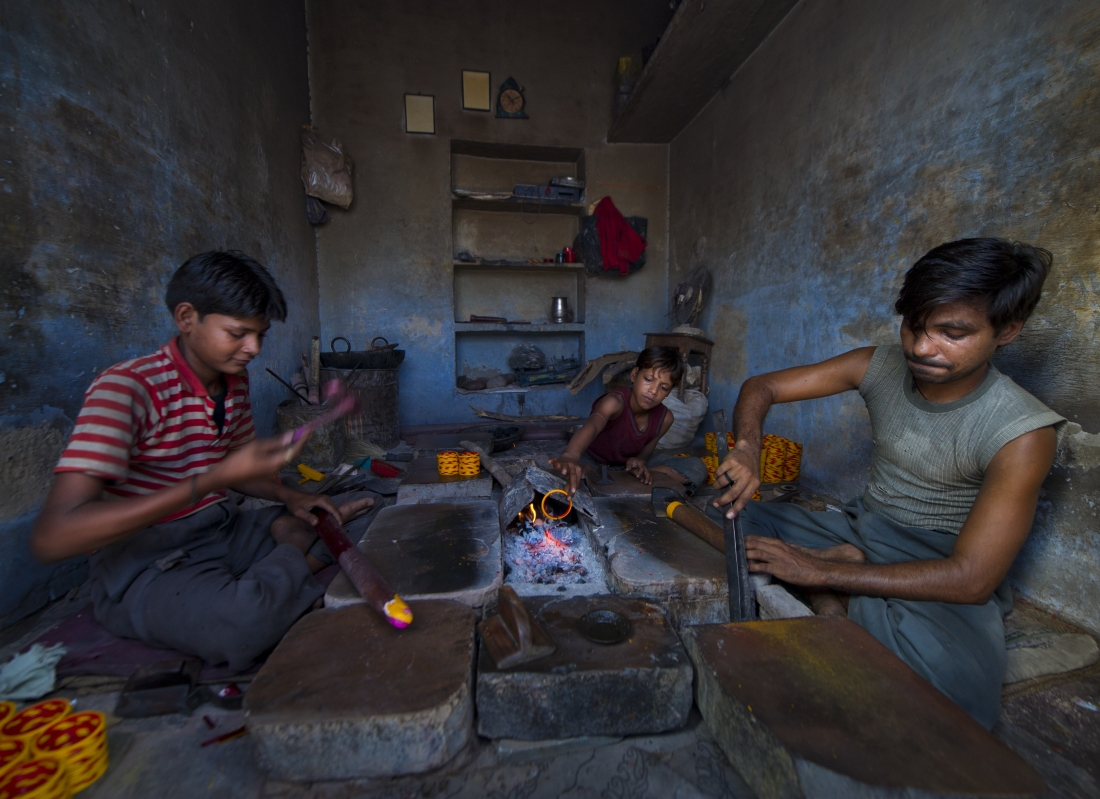India_workers_ep2_39